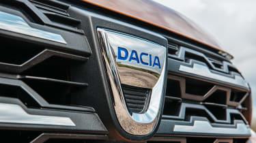 Dacia Sandero Stepway hatchback grile