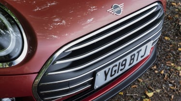 2019 MINI Clubman - Facelifted chrome grille