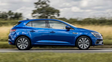 Renault Megane E-Tech hatchback side panning