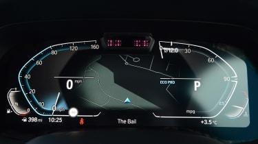 New BMW X6 2020 - digital cockpit