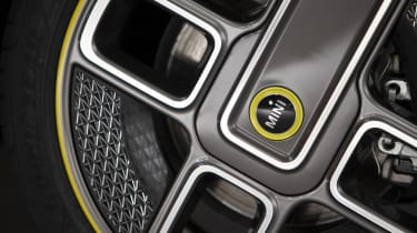 MINI Electric - alloy wheel close-up