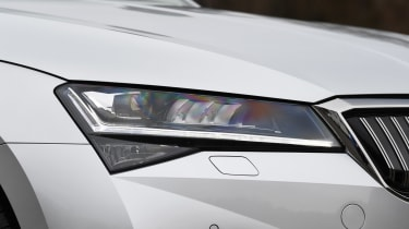 Skoda Superb Estate headlights