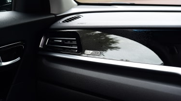 Kia e-Niro - dashboard trim