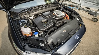 Ford Mondeo Estate engine bay