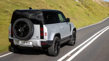 2020 Land Rover Defender 90 - rear 3/4 view dynamic