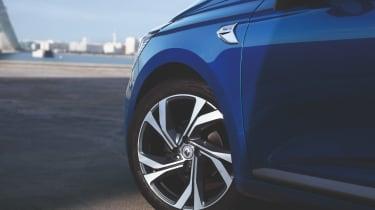 2019 Renault Clio - front wheel
