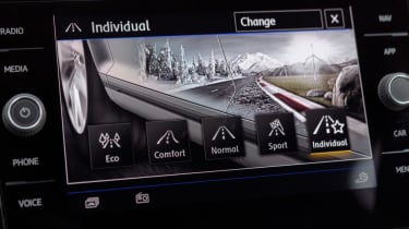 Volkswagen T-Roc SUV drive mode