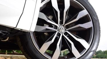 Volkswagen Touareg SUV alloy wheels