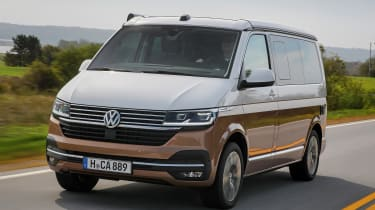 Volkswagen California front 3/4 tracking