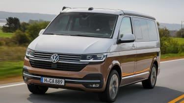 Volkswagen California front 3/4 tracking