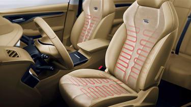 Roewe Ei5 estate front seats