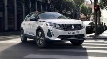 2020 Peugeot 3008 PHEV - FRONT 3/4 dynamic