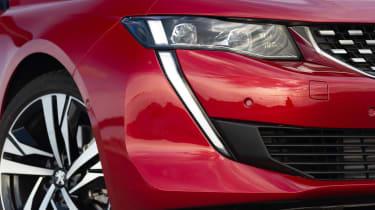 Peugeot 508 headlight