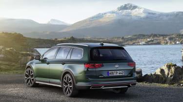2019 Volkswagen Passat AllTrack rear quarter