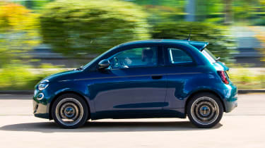 Fiat 500 electric side panning