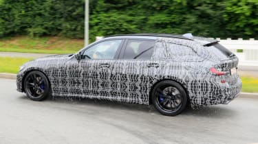 BMW 3 Series Estate side profile tracking spy shot