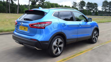 Nissan Qashqai - rear 3/4 dynamic passing