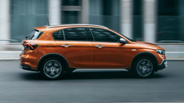2020 Fiat Tipo Cross - side view dynamic