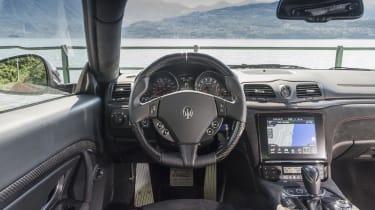 Maserati GranTurismo coupe interior
