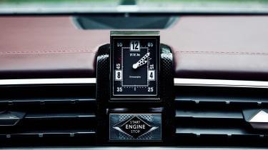 DS 9 saloon clock