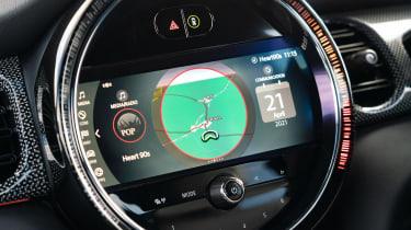 2021 MINI hatchback screen