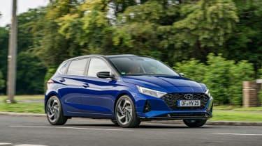 2020 Hyundai i20 prototype - front 3/4 passing