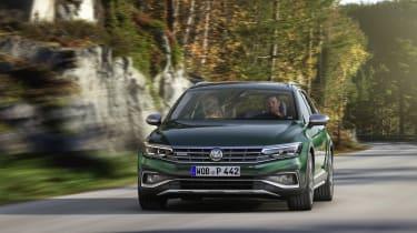 2019 Volkswagen Passat AllTrack front driving