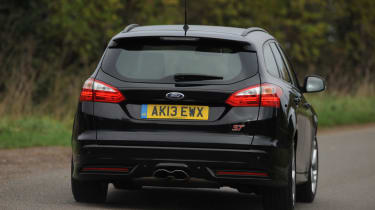 Ford Focus ST - rear 3/4 view