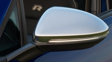 LED indicator repeater lamps are integrated with the rear view mirrors