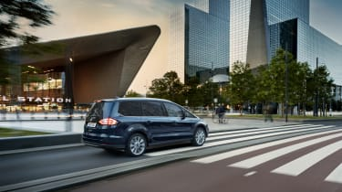 2019 Ford Galaxy - dynamic rear 3/4