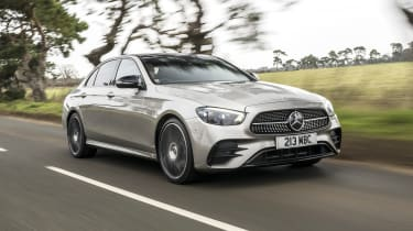 Mercedes E-Class saloon - front 3/4 dynamic