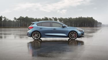 2019 Ford Focus ST - side static