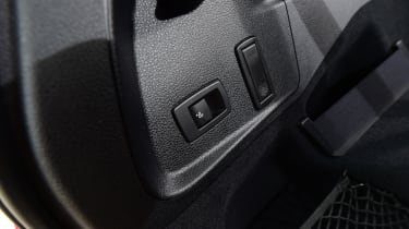 BMW 2 Series Gran Tourer seat release button