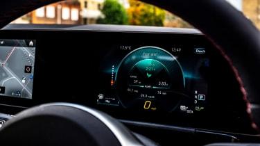 Mercedes GLA 250 e SUV digital gauges