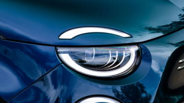 Fiat 500 electric headlights
