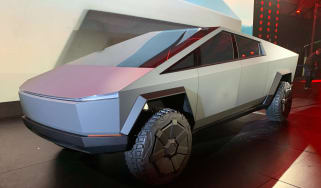 Tesla Cybertruck - front 3/4 view static