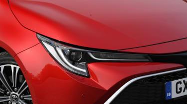 Toyota Corolla Touring Sports estate headlights