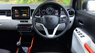 Suzuki Ignis - interior