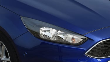 The Focus comes as standard with sharply designed halogen headlights.