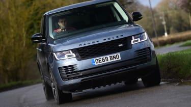 2020 Range Rover Vogue P400 - Front 3/4 dynamic