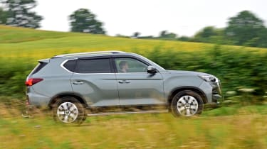 SsangYong Rexton SUV right panning