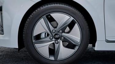 Hyundai Ioniq Hybrid alloy wheels