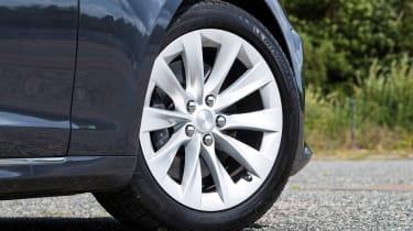Tesla Model S saloon alloy wheel