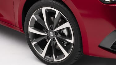 2020 SEAT Leon - front alloy wheel close up