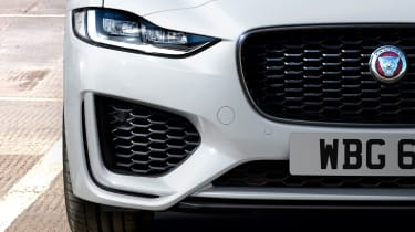 2020 Jaguar XE facelift front end detail