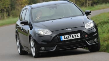 Ford Focus ST - front 3/4 view