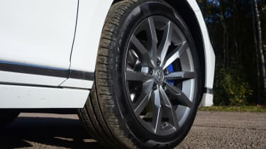 Volkswagen Passat GTE Estate alloy wheel