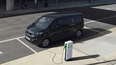 Peugeot e-Traveller charging