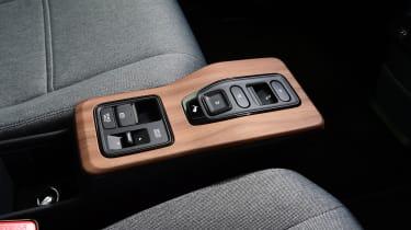 Honda e hatchback centre console