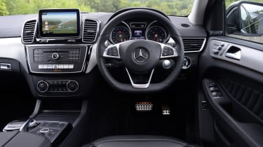 Mercedes Gle Coupe Suv 2015 2018 Interior Comfort Carbuyer